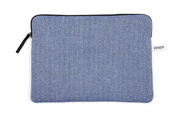 Housse zipp e pijama chevrons bleus sur la collection for Housse zippee